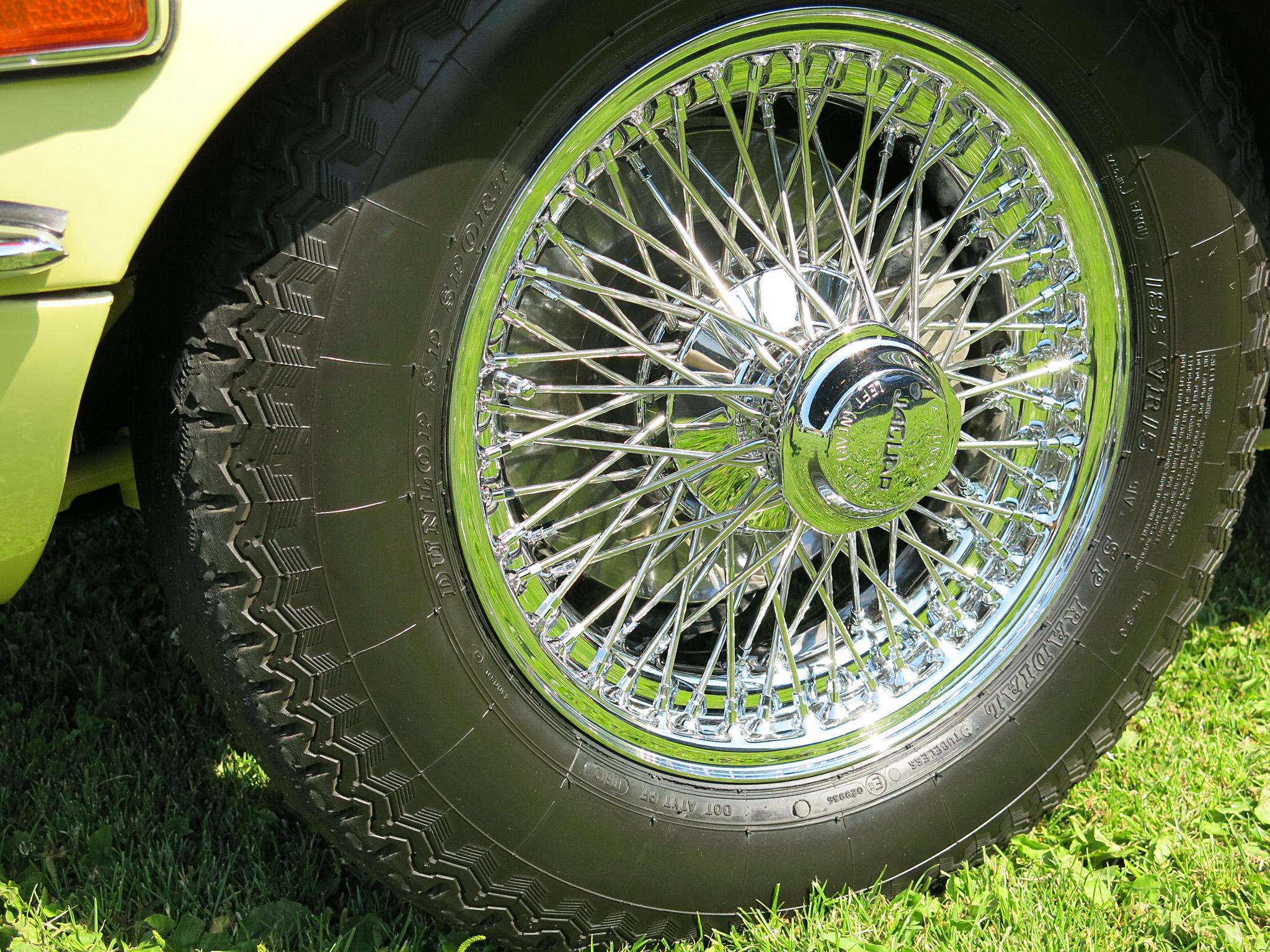 Julie Bailey's exceptional new chrome wire wheels with new Dunlop SPs!