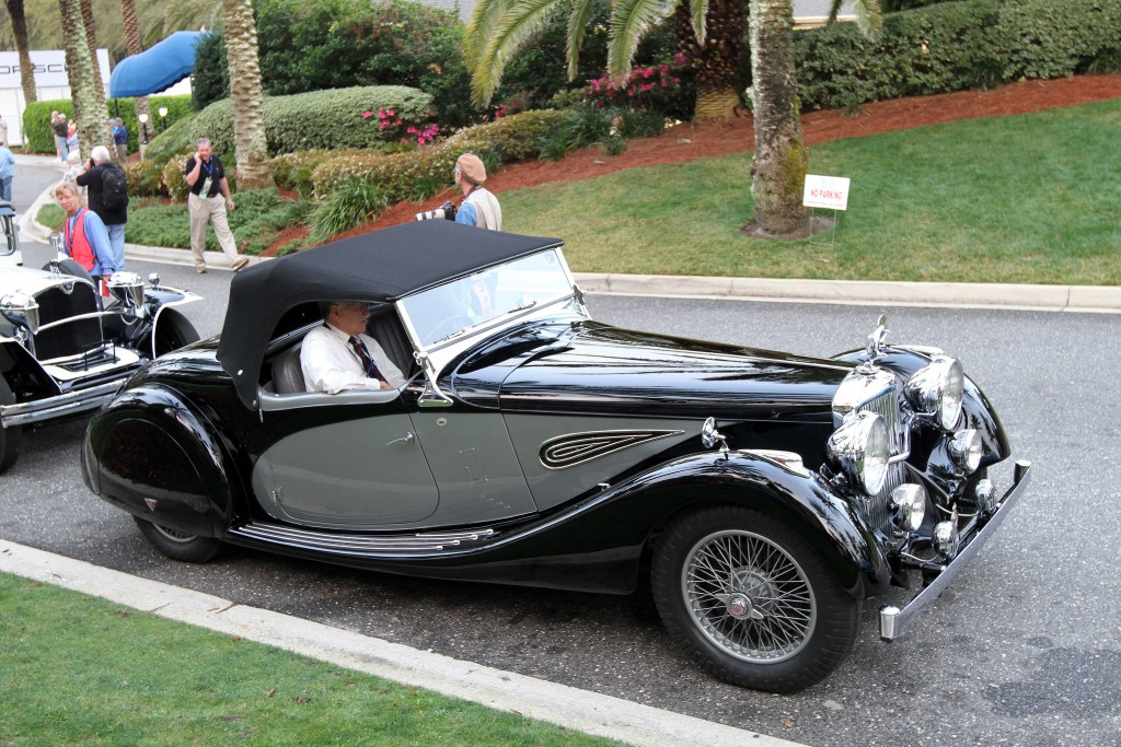 This Alvis Speed 25 features a one-off body by Offord. The design includes a disappearing top and a spare carried in the boot. The body has been refinished in the original colors.