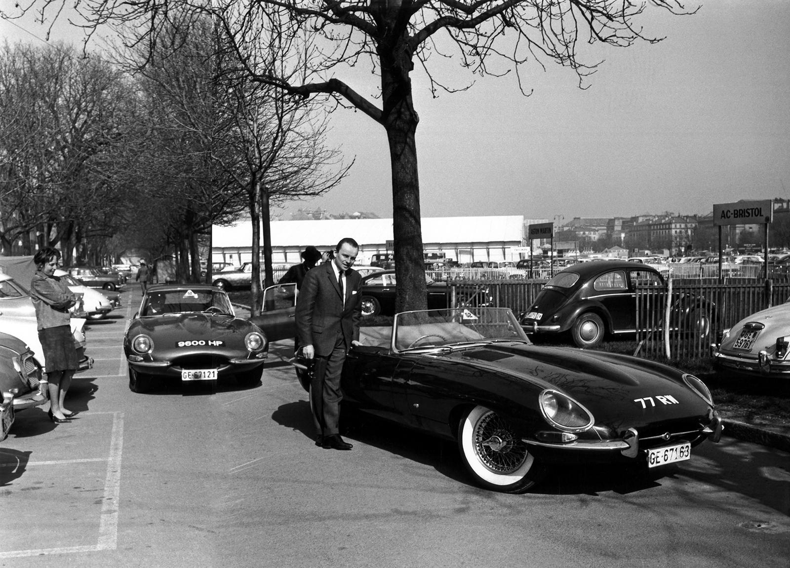 1961 Jaguar E-Type Roadster 850003 77RW